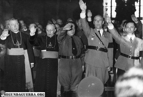 nazipriestssalutehitler1