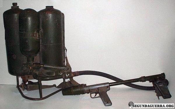 Armas da FEB - Lança-Chamas M2