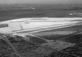 Parnamirim Field em construção em 1941. Hangar da Air France em 1º plano (Foto: Arquivos BANT)
